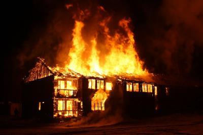 Vì sao nhà hiện đại cháy nhanh gấp 6 lần so với 40 năm về trước?