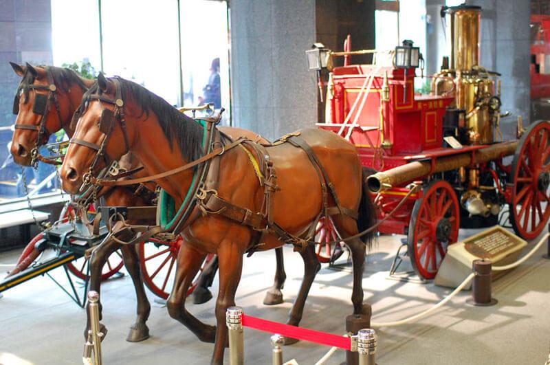 Mẫu xe chữa cháy bằng hơi nước do ngựa kéo được sử dụng trong thời kỳ Meiji
